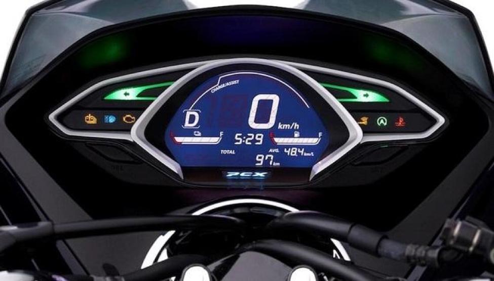 Xe PCX 125cc/150cc có độ sáng màn hình vừa phải