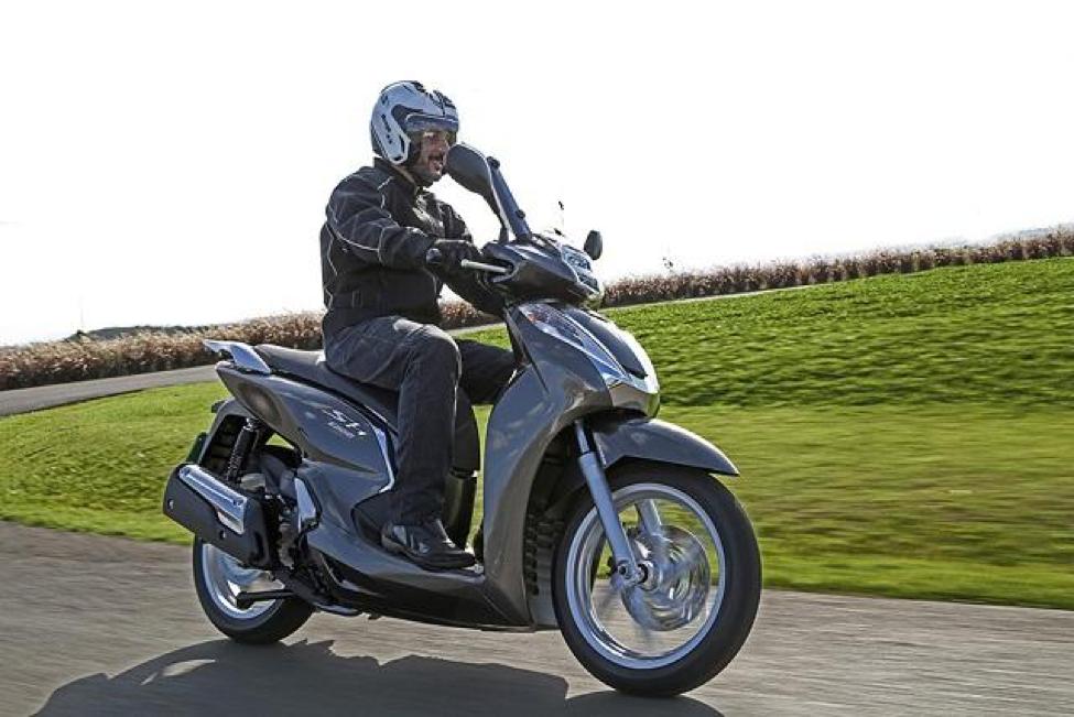 Xe SH 300cc đem tới cho người điều khiển sự nổi bật và thu hút trên mọi cung đường
