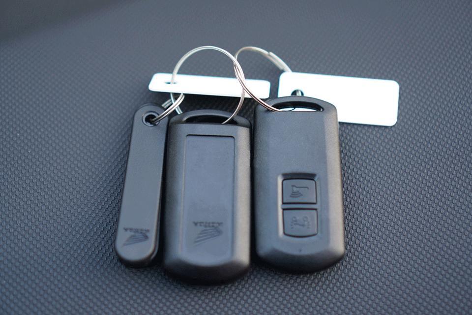Thiết kế khóa chống trộm xe máy lead 125 với 2 nút bấm tiện lợi