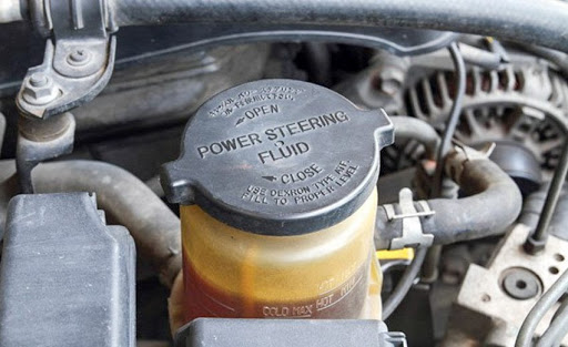 Kiểm tra dầu nhớt và trợ lực lái