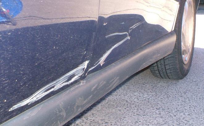 Vết xước sơn ô tô